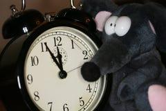 Ratón y reloj del juguete Fotografía de archivo