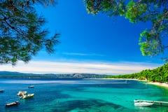 Rata hermosa de Zlatni de la playa en Bol, isla Brac, Croacia imagen de archivo libre de regalías