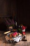 Ratatouille avec les pousses cuites au four de pomme de terre et de betteraves Photo stock