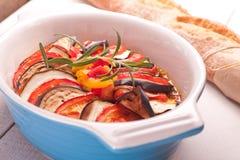 Ratatouille i en maträtt, eldfast form Fotografering för Bildbyråer