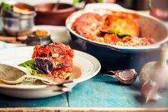 Ratatouille - un piatto vegetariano classico da cucina francese Bak immagine stock libera da diritti