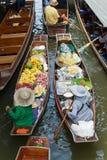 Ratchaburi -泰国2017年7月22日:Damnoen漂浮ma的Saduak 库存照片
