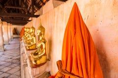 Ratchaburi, Tailandia - 23 luglio, 2017: La statua del germoglio dorato Fotografia Stock