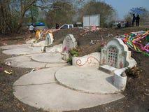 Ratchaburi, Thaïlande - avril 05,2018 : Le cimetière au jour de tombe ou au festival rapide de Qingming chez Jing Gung Cemetery Photos stock