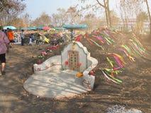 Ratchaburi, Thaïlande - avril 05,2018 : Le cimetière au jour de tombe ou au festival rapide de Qingming chez Jing Gung Cemetery Photographie stock