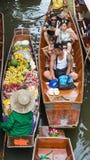 Ratchaburi - Thailand 22 Juli, 2017: Damnoen Saduak die ma drijven Royalty-vrije Stock Fotografie