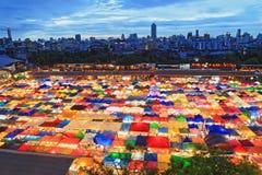 Ratchada-Nachtzug-Markt in Bangkok, Thailand Lizenzfreies Stockbild