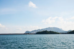 Ratchaprapa或Rajjaprabha水坝水库在Cheow Kh的Lan湖 免版税库存图片