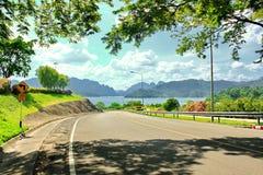 Ratchaprapa-Verdammung (Chaew Lan Dam) lizenzfreies stockbild