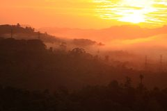 Ratchaprapa-Verdammung Suratthani, Thailand. Stockbild