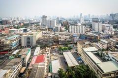 Ratchathewi区的朦胧的看法,在曼谷,泰国 免版税库存照片