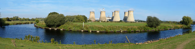 Ratcliffe-on-Soar Power Station. Panoramic view of the River Soar as it meanders past the Ratcliffe-on-Soar power station towards its mouth at the River Trent Stock Image