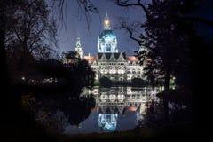 Rathaus alla notte Immagini Stock