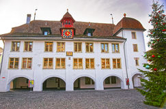 Rathaus choinka w Thun urzędu miasta kwadracie i hotel Zdjęcia Stock