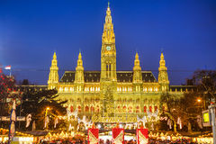 Rathaus and Christmas market in Vienna Stock Photo