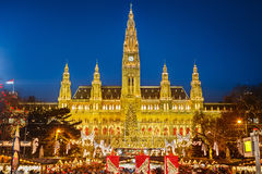Rathaus and Christmas market in Vienna Royalty Free Stock Images