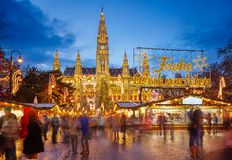 Rathaus and Christmas market in Vienna Royalty Free Stock Photos