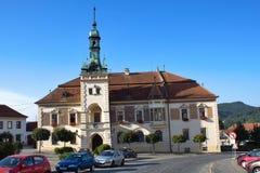 Rathaus einer Kleinstadt TISNOV Stockbild