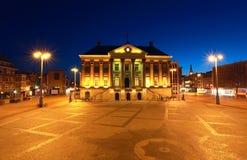 Rathaus in Groningen nachts Stockfotos