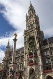 Rathaus, Mariensaule, Monachium, Niemcy - - Obrazy Stock