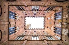 Rathaus in Siena, das schöne mittelalterliche Gebäude in Toskana Stockfotografie