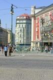 Rathaus und der alte Tempel des Kaisers Augustus Lizenzfreie Stockfotos