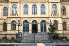 Rathaus und der alte Tempel des Kaisers Augustus Lizenzfreies Stockbild