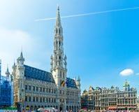 Rathaus und Zünft-Häuser, Brüssel Stockfotos