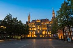 Rathaus von Aachen bei einem Sommersonnenuntergang Lizenzfreies Stockfoto