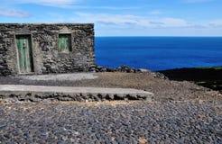 Rationeel Kaapverdisch huis door de weg Stock Afbeelding