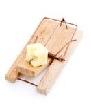 Ratonera de madera con queso Imágenes de archivo libres de regalías