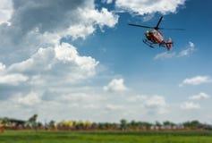 Ratowniczy helikopter bierze daleko Zdjęcie Royalty Free