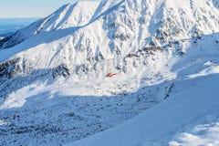 Ratowniczy helikopter w wysokim Tatras Dnia foto Fotografia Stock