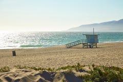 Ratownik buda na Malibu plaży Zdjęcia Royalty Free