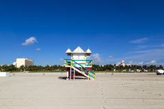 Ratownik kabina na pustej plaży, fotografia royalty free