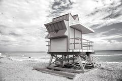 Ratownika wierza dla ratowniczego baywatch na plaży w Miami, usa obraz stock