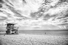 Ratownika wierza dla ratowniczego baywatch na plaży w Miami, usa obrazy royalty free
