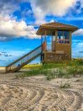 Ratownika wierza przy plażą zdjęcia stock