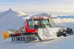 Ratrack在工作在Kasprowy扎科帕内Wierch在冬天 库存照片