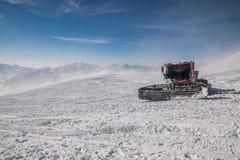 Ratrak наверху Elbrus Стоковое Изображение RF