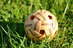 Rattan piłka w ogródzie Fotografia Royalty Free