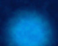 Rauch über blauem Hintergrund Stockfotografie