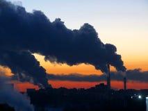 Rauch über der Stadt Lizenzfreie Stockfotografie