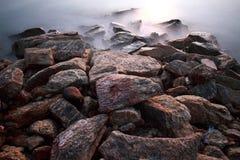 Rauch auf dem Felsen Stockfotos
