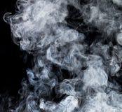 Rauch auf einem schwarzen Hintergrund Lizenzfreies Stockbild