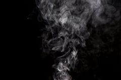 Rauch auf schwarzem Hintergrund Lizenzfreies Stockbild