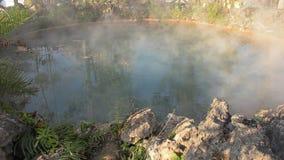Rauch-heiße Quelle von den heißen Quellen stock video footage