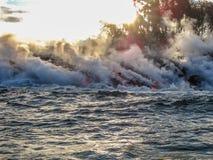 Rauch und Dampf okaykilauea lizenzfreie stockfotografie
