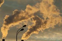 Rauch von den Rohren Lizenzfreies Stockfoto