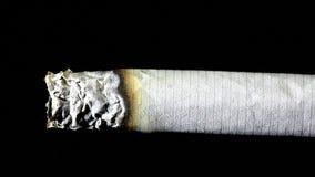 Rauchende Zigarette stock video
